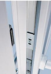 Магнитная балконная защелка.  Позволит легко закрыть за собой дверь при...